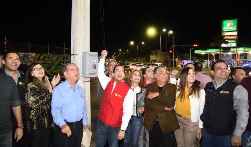 Sigue Maloro Acosta iluminando Hermosillo