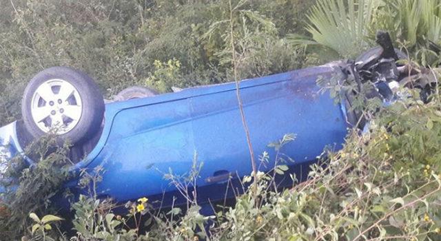 Choca camioneta de precandidata del Frente y mueren 2 personas