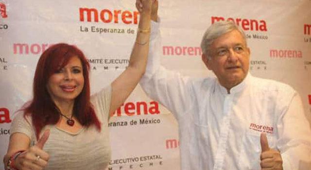 Layda Sansores besa la mano de Andrés Manuel López Obrador