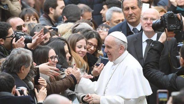 Sacerdote desea una 'muerte rápida' al Papa