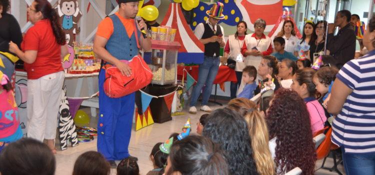 Celebra Voluntariado de Salud a pacientes del HIES por el Día del Niño