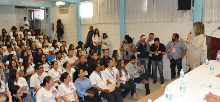 Llama Presidenta Municipal a jóvenes a no dejarse enganchar en el consumo de drogas