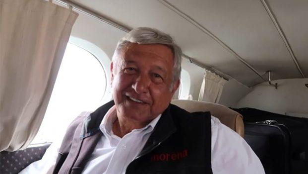 PRI denuncia en el Senado que taxi aéreo de AMLO es ilegal