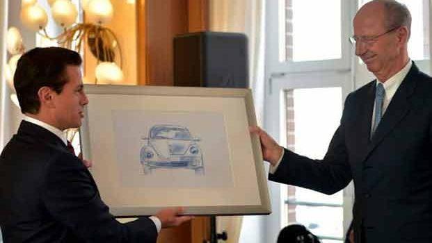 Reconoce EPN colaboración de VW como empresa en México