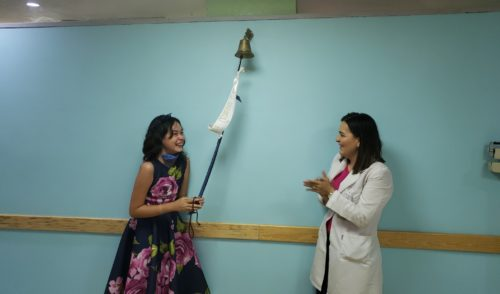 Despúes de más de 120 sesiones de quimioterapia salva IMSS Sonora de leucemia a niña de 13 años