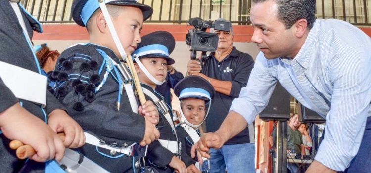 Ernesto de Lucas afirma que renovar Hermosillo es apoyar a la niñez y juventud en sus valores