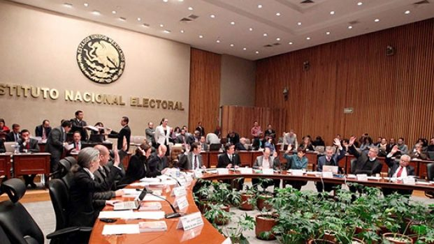 Rechaza INE anular votos por Zavala