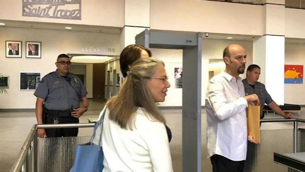 Esteban Loaiza sale libre bajo fianza