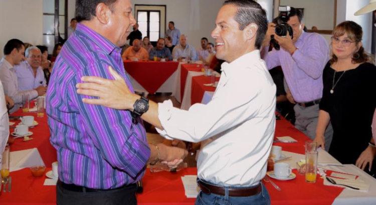 Se reúne Maloro Acosta con sindicalizados del SUTSPES