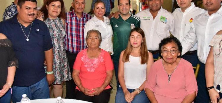 Arropan sectores productivos y comunidad de Empalme a Maloro Acosta
