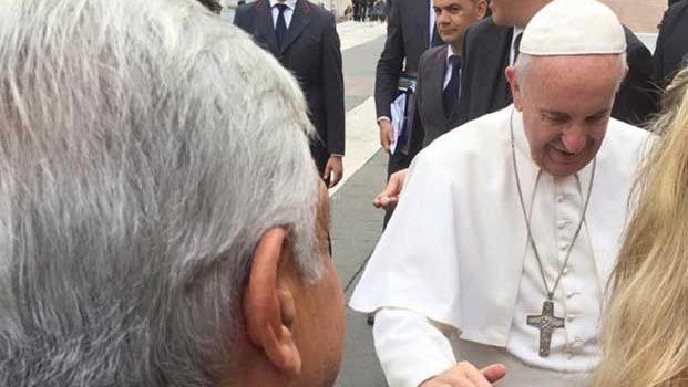 Equipo de AMLO invita al papa a consulta para la paz