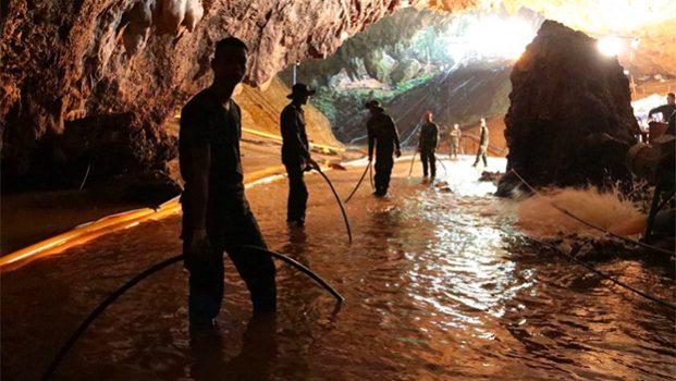 Se agota el tiempo para rescatar a menores en cueva de Tailandia