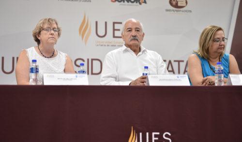 UES y Lambton College certificarán a docentes de inglés en Sonora