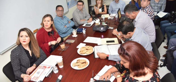 Se reúnen Secretaría Técnica y Comunicación Social con la Comisión de transición