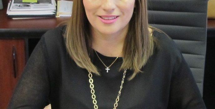 Con transparencia y apego a la Ley se entregan becas: Yazmina Anaya