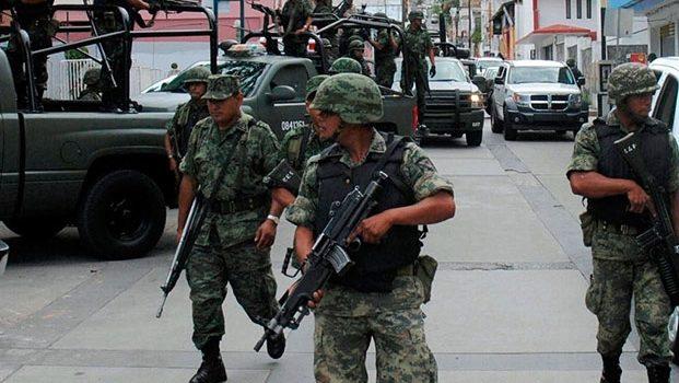 Presidencia autorizó aumento salarial a militares, revelan