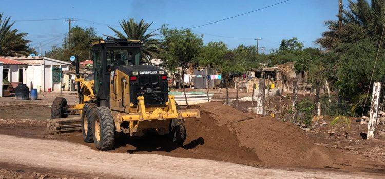 Rehabilitan calles en Bahía de Lobos