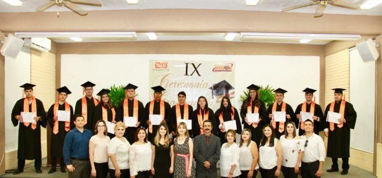 Se gradúa IX Generación de Prepa en Línea en Cobach