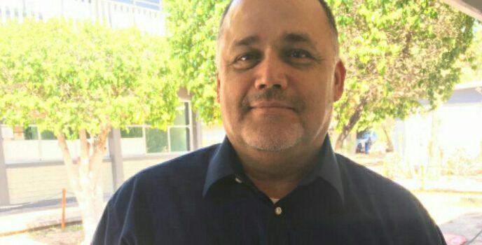 Alcalde de Empalme contrata a consuegros