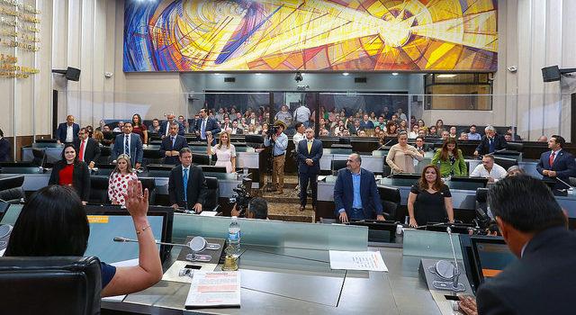 Celebra última sesión extraordinaria la LXI Legislatura del Congreso del Estado
