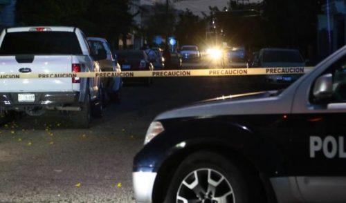Hombres armados matan a persona en la sala de su casa en Hermosillo