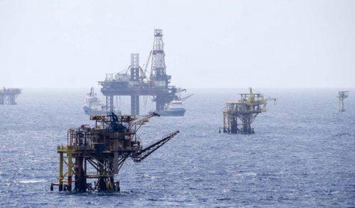 Huachicoleros en el Golfo de México saquean Pemex con ayuda de empleados