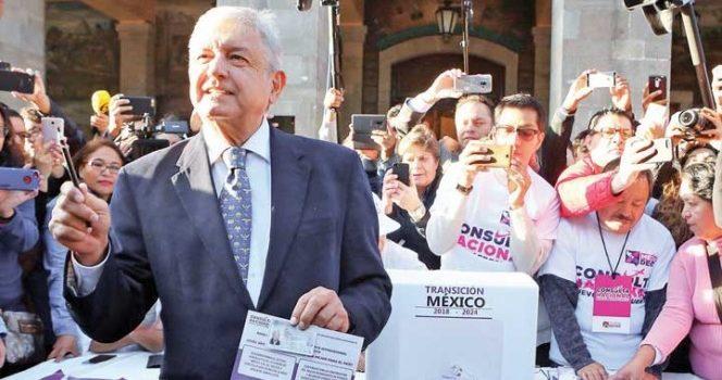 'La consulta va muy bien e irá mejor': López Obrador