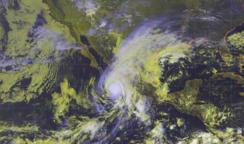Prevén que 'Willa' toque tierra mañana en Sinaloa como huracán categoría 3