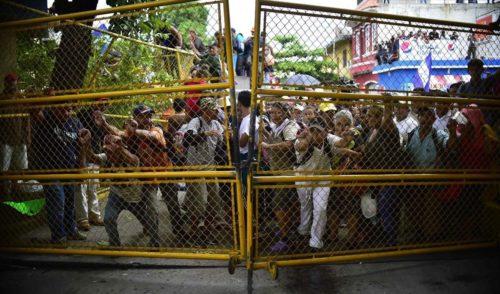 En desacuerdo mitad de los mexicanos con entrada de migrantes.