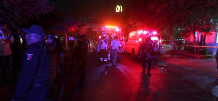 Balacera en pleno centro de Cancún: un muerto y tres heridos