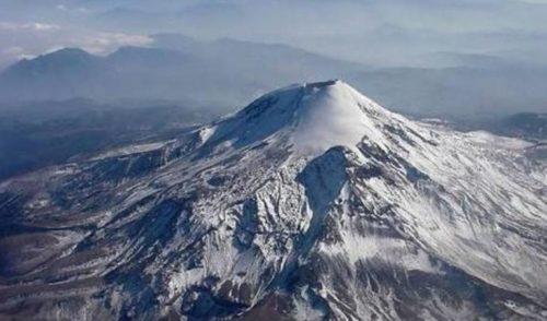 Mueren tres alpinistas en el volcán Citlaltépetl