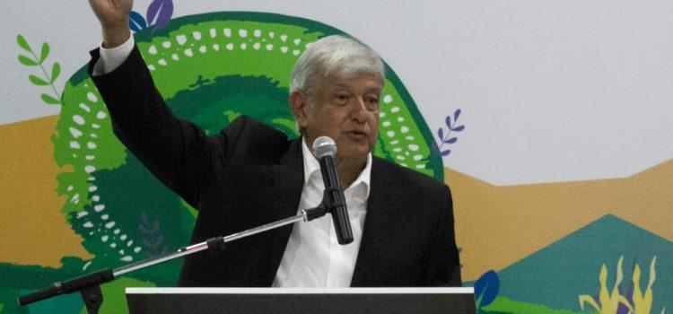 AMLO considerará NAIM en Texcoco si Slim y otros 'pilotean' la inversión
