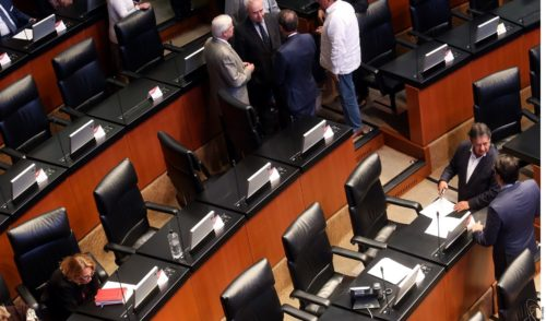 Frena Morena exhortos sobre gasolina y migrantes