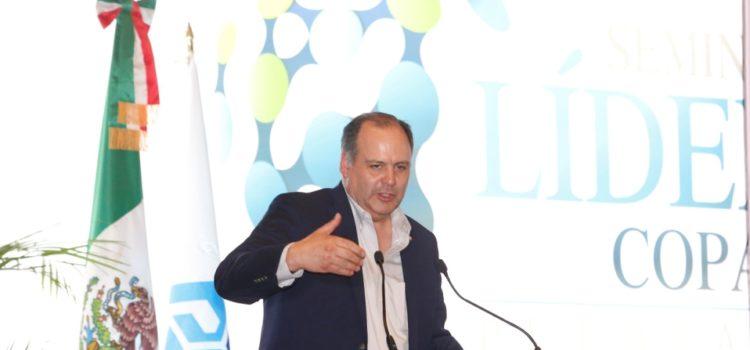 Coparmex: consulta del NAIM, imperfecta y no representativa