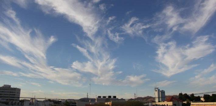 Temperaturas templadas a frescas para hoy en Sonora con vientos de 10 a 25 km/h.