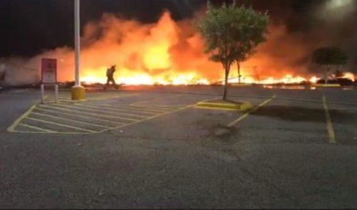 Deja incendio en Nogales pérdidas totales en Feria de León