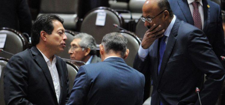 Morena avala leyes a modo, acusan PRI, PAN y PRD