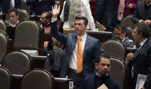 Sergio Mayer confunde Palacio de Bellas Artes con Palacio Nacional