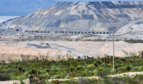 Grupo México y Peñoles caen con fuerza en Bolsa, ante iniciativa minera de Morena