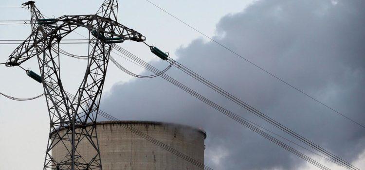 AMLO apuesta por el carbón para producir más electricidad