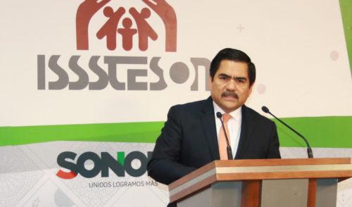 Expone Pedro Contreras López latente quiebra financiera en Isssteson