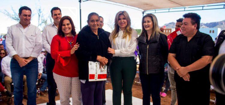 Recibe Alcaldesa de Guaymas a Claudia Pavlovich