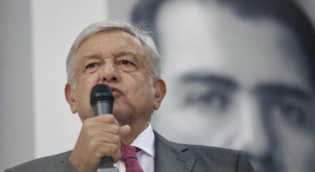Planea AMLO nueva consulta sobre refinería en Campeche