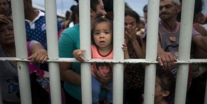 Exigen aclarar encierro de migrantes en Sonora