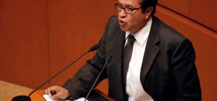 Desafían Senadores de Morena a AMLO: van por comisiones