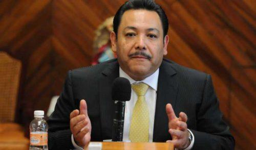 Renuncia Héctor Serrano al PRD