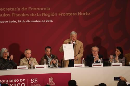Firma AMLO el decreto de estímulo fiscal para la frontera