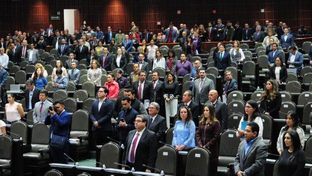 Diputados bajarán altos sueldos de funcionarios pese a suspensión de SCJN