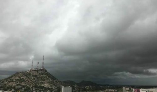 Continúan los cielos nublados en Sonora con probabilidad de lluvias dispersas