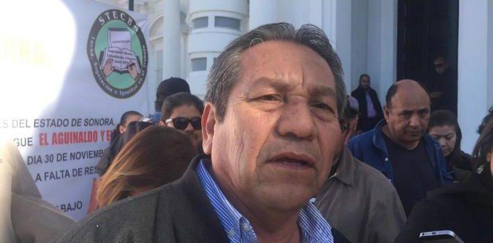 Sindicato del Cobach se manifiesta afuera de Palacio de Gobierno para exigir pago de aguinaldo